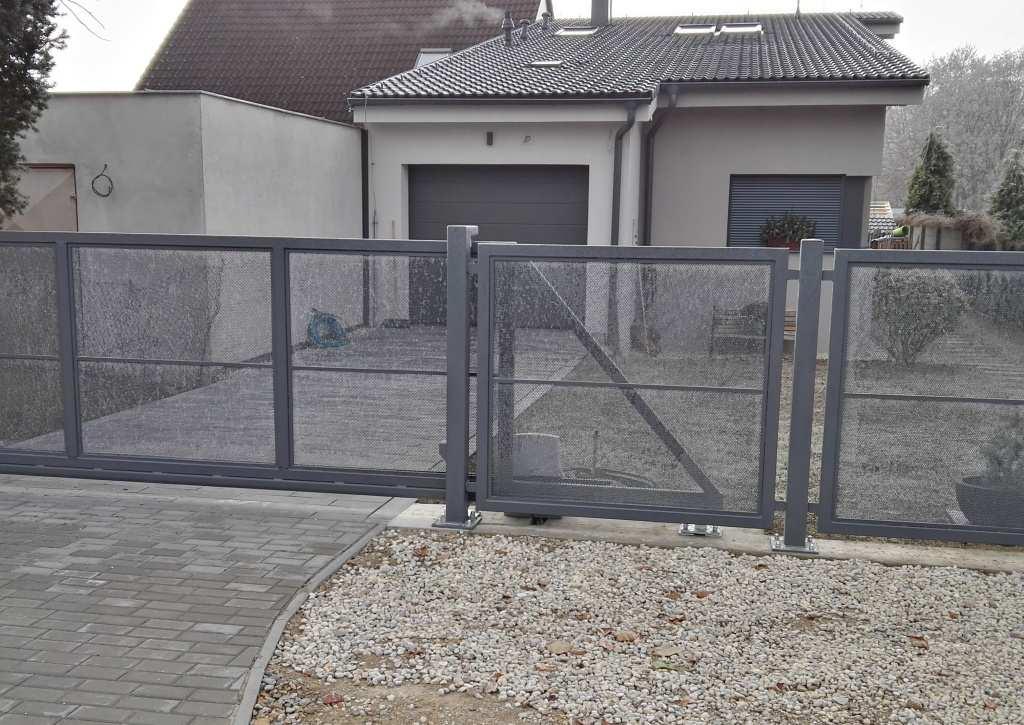 Brány – ploty – garážová stání